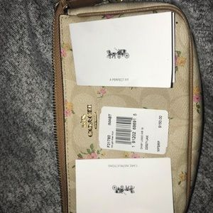 Coach Bags - coach purse tan with flowers